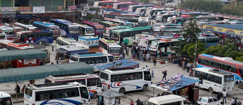 सार्वजनिक यातायात खुल्यो, यात्रु छैनन्