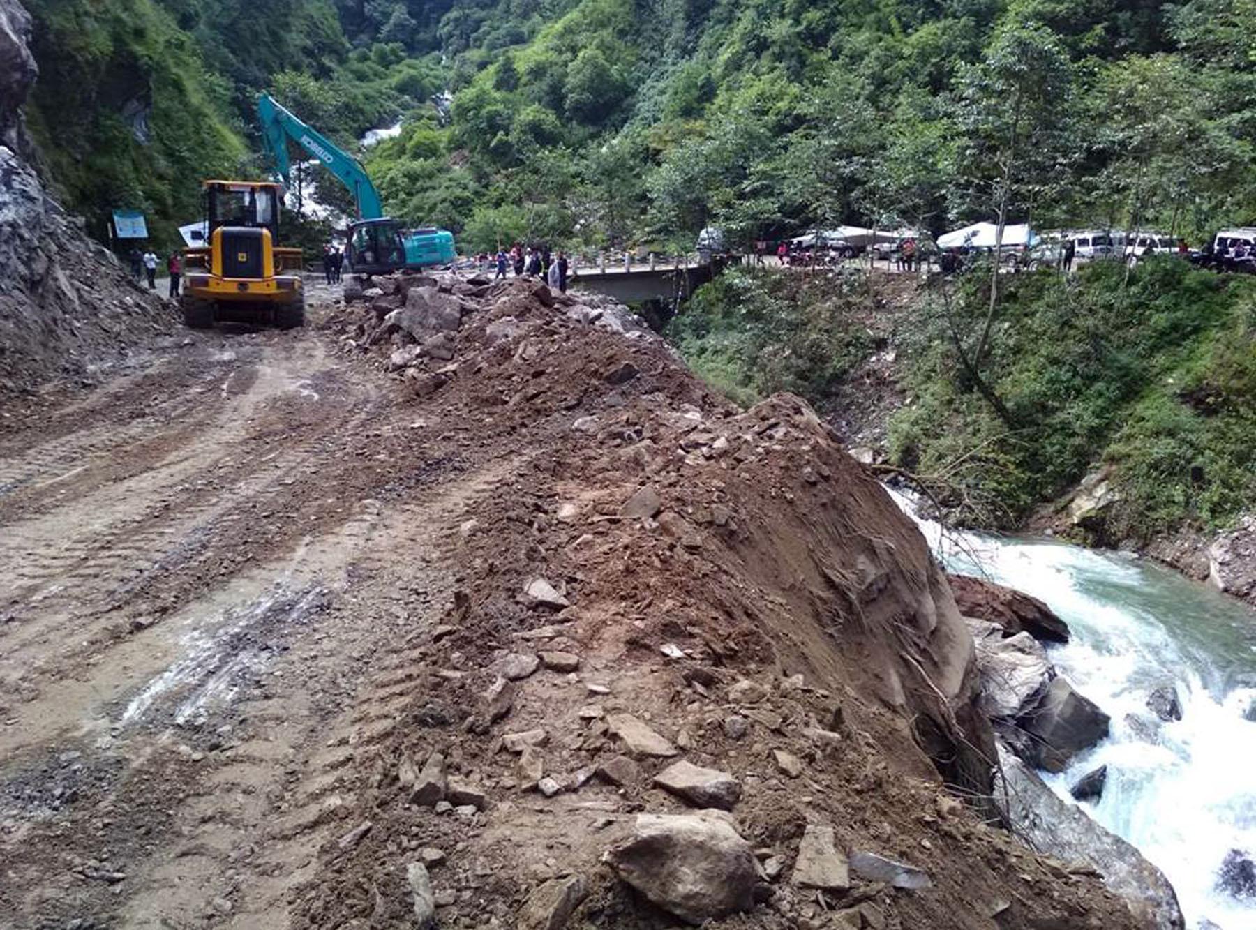 नेपाल–चीन राजमार्ग खुला