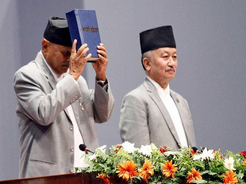 संविधान निर्माणका तीन वर्ष, राजनीतिमा गति, विकासमा सुस्त