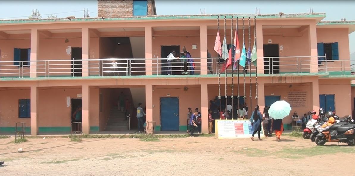 सामुदायिक विद्यालयहरुमा बर्षे बिदा कटौती गर्न माग