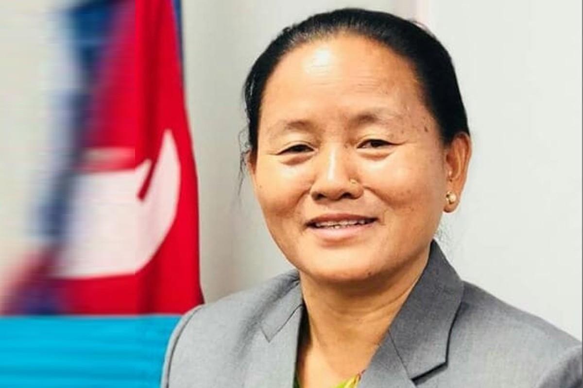 उपसभामुखबाट राजीनामा, आफ्ना जरा र  धरातल भुल्न हुँदैन – डा तुम्वाहाङ्फे