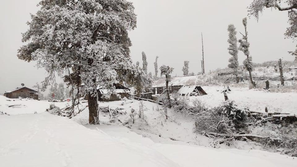 हिमपातले विकास निर्माण प्रभावित विद्यालयमा विदा