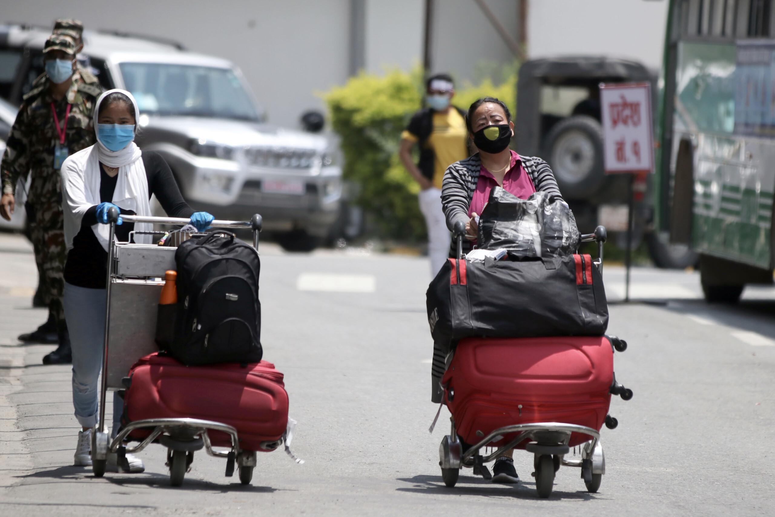 कुवेतबाट फर्किएका १०२ महिला भक्तपुरको होल्डिङ सेन्टरमा