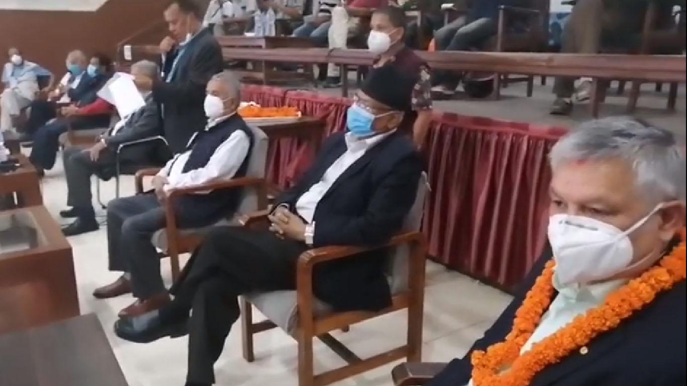 पूर्वमन्त्री थापासहित राप्रपाका केन्द्रीय नेता काँग्रेस प्रवेश