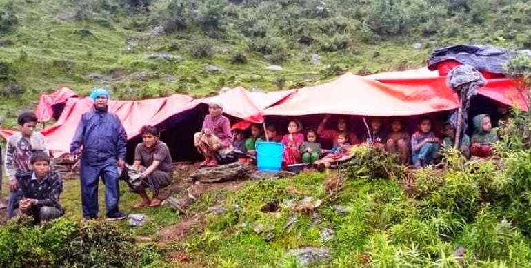 भुर्केलागाउँका ३५ घरपरिवार विस्थापित
