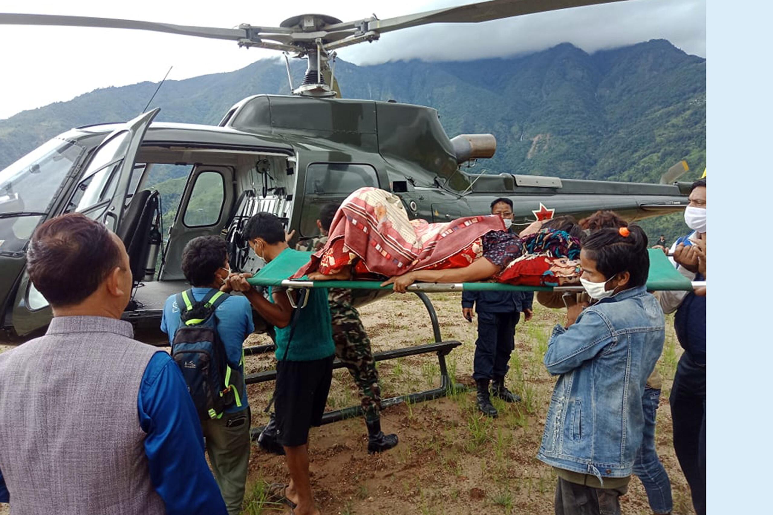 गर्भवतीलाई हेलिकप्टरद्वारा उद्धार
