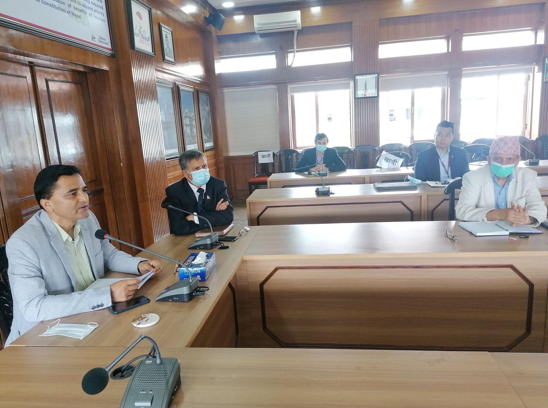 जहाज खरिद प्रक्रिया अघि बढाउन पर्यटनमन्त्रीको निर्देशन