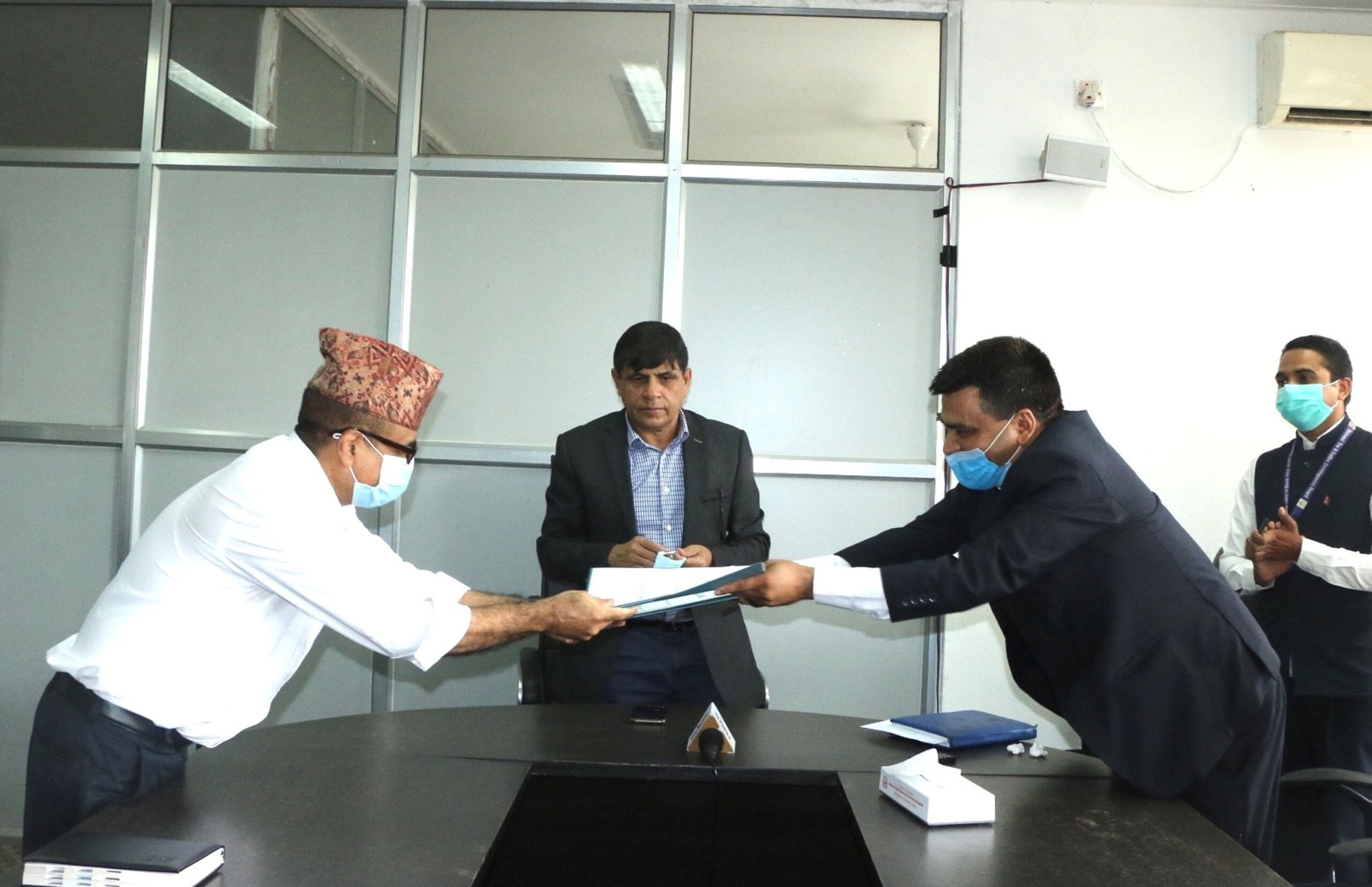 परिषद् र बोर्डबीच समझदारीपत्रमा हस्ताक्षर