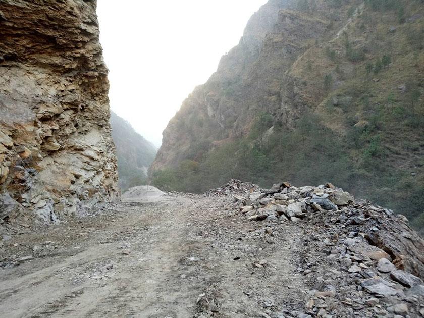 स्याफ्रु–मैलुङ राजमार्गकाे काम अगाडि बढ्याे